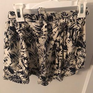 Love tree black and white patterned shorts